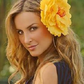 http://cinemagia.files.wordpress.com/2008/11/claudia_leitte.jpg