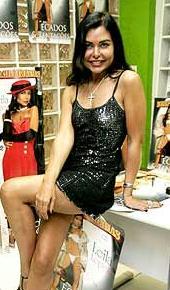 Leila Lopes no lançamento de 'Pecados e Tentações', 2008