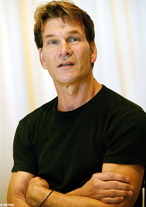 http://cinemagia.files.wordpress.com/2009/05/patrickswayze.jpg