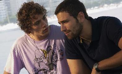 Rafael Cardoso e João Gabriel, protagonistas de Do Começo ao Fim