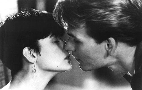 Patrick Swayze em Ghost, com Demi Moore, 1990
