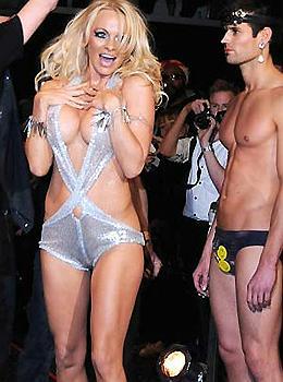 Pamela Anderson na Semana de Moda de Nova York