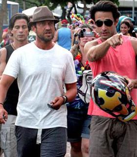 Rodrigo Santoro e Gerard Butler, Rio, carnaval 2010 - foto Ag News