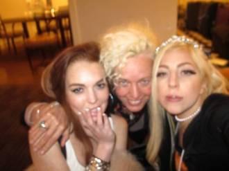 Lindsay Lohan e Lady Gaga com a fotógrafa Ellen von Unwerth