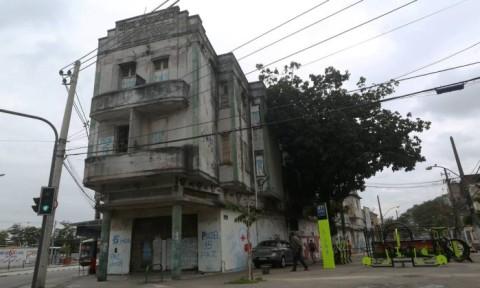 O Cine Vaz Lobo foi fundado em 1940, e funcionou até 1982. Tombado em 2014, está fechado e destruído.