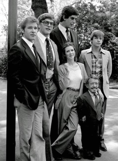 Com o elenco de Star Wars