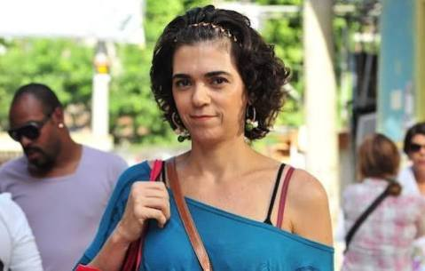 Solange Badim como Delzuíte